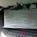 Под крышкой обнаруживаем фильтр и меняем Шкода Октавия А5