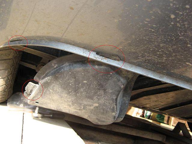 Демонтаж защиты двигателя Шкода Октавия А7