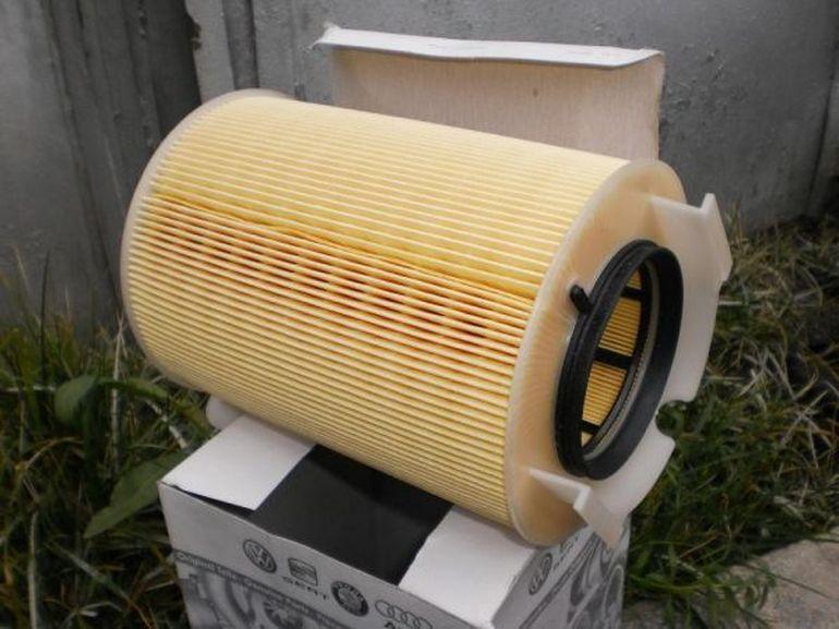 Новый фильтр воздуха Шкода Октавия