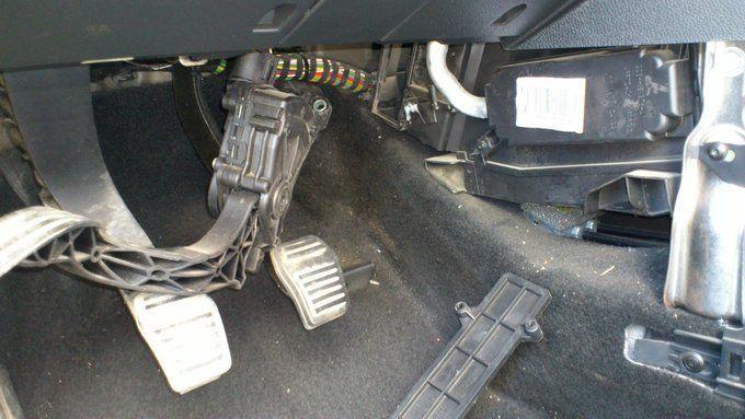 Снимаем педаль газа Форд Фьюжн